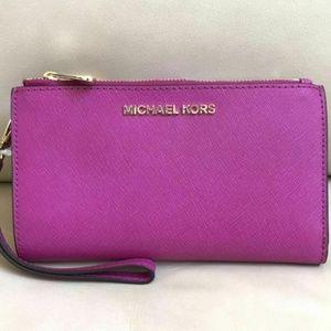 Michael Kors Jet Set Travel Leather Wristlet